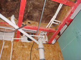 пример прокладки труб в сип домах