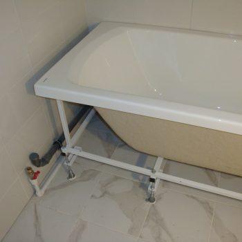 Установка ванны и коммуникаций